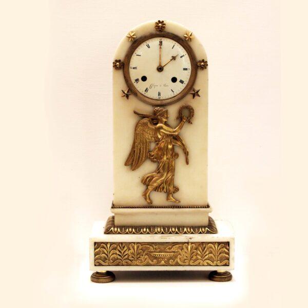 orologio con Vittoria alata