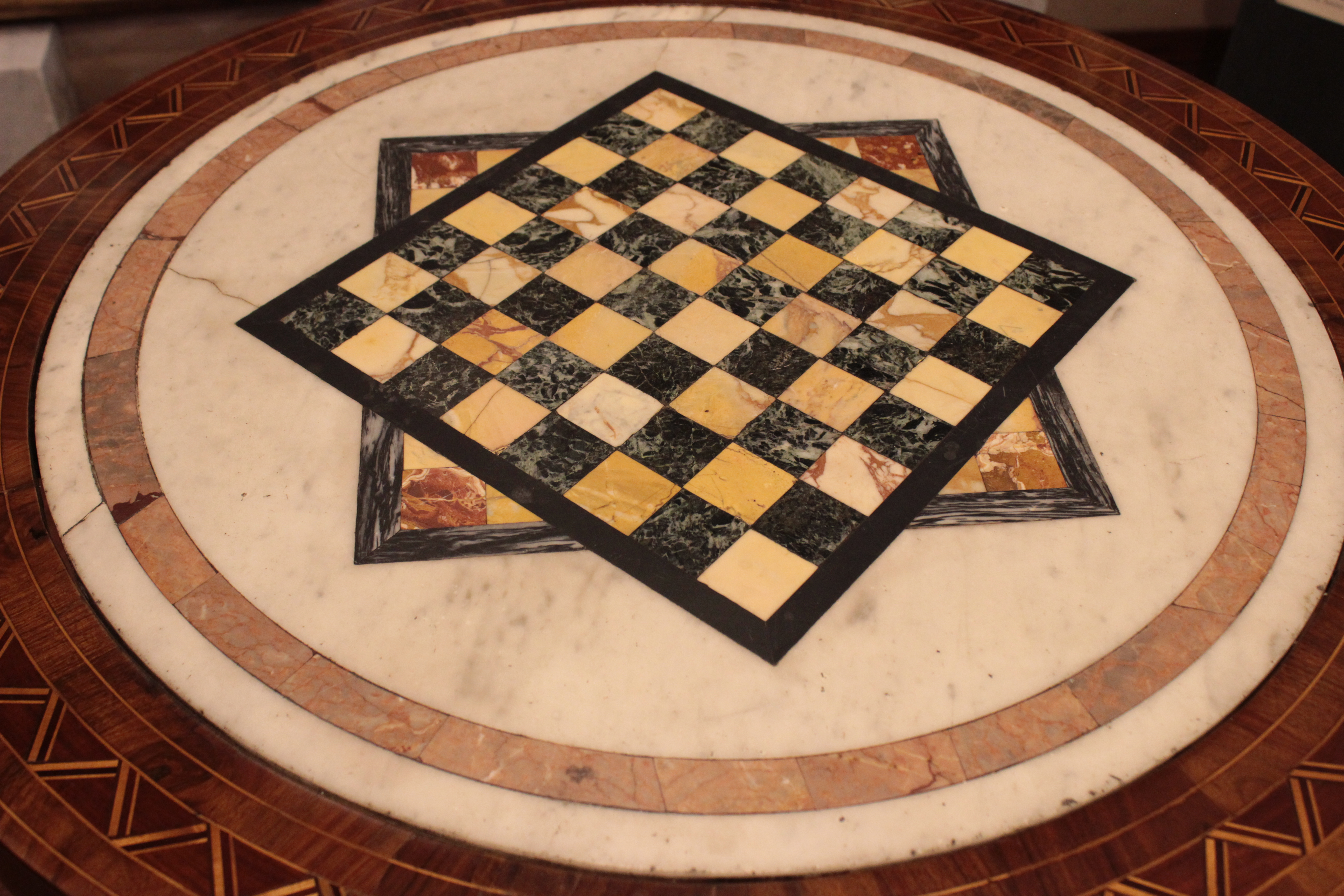 Tavoli Di Marmo Intarsiati : Tavolino con piano in marmo intarsiato athena antichità